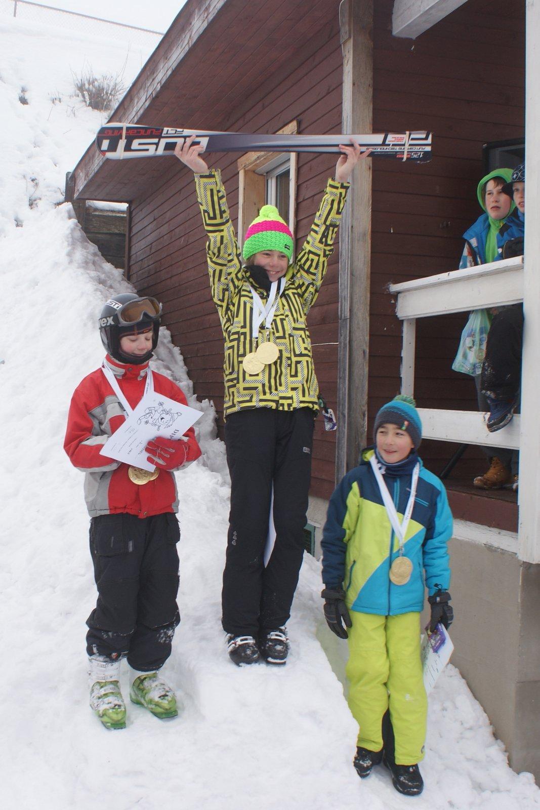 Mikuláš Šveda, vítez slalomu pro děti do 15 let v Perninku 2015